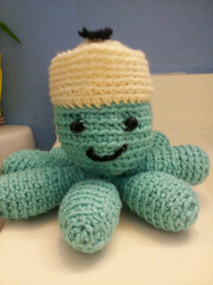 crochet a toy sailor octopus