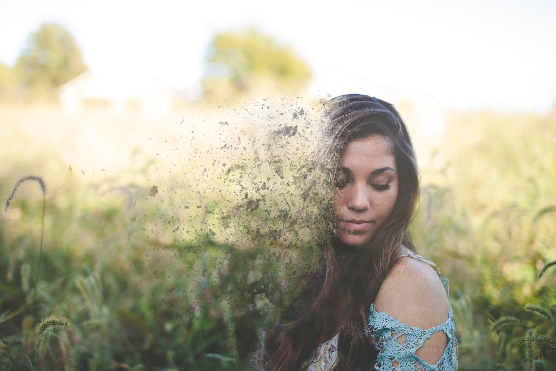 create a disintegration effect on any photo