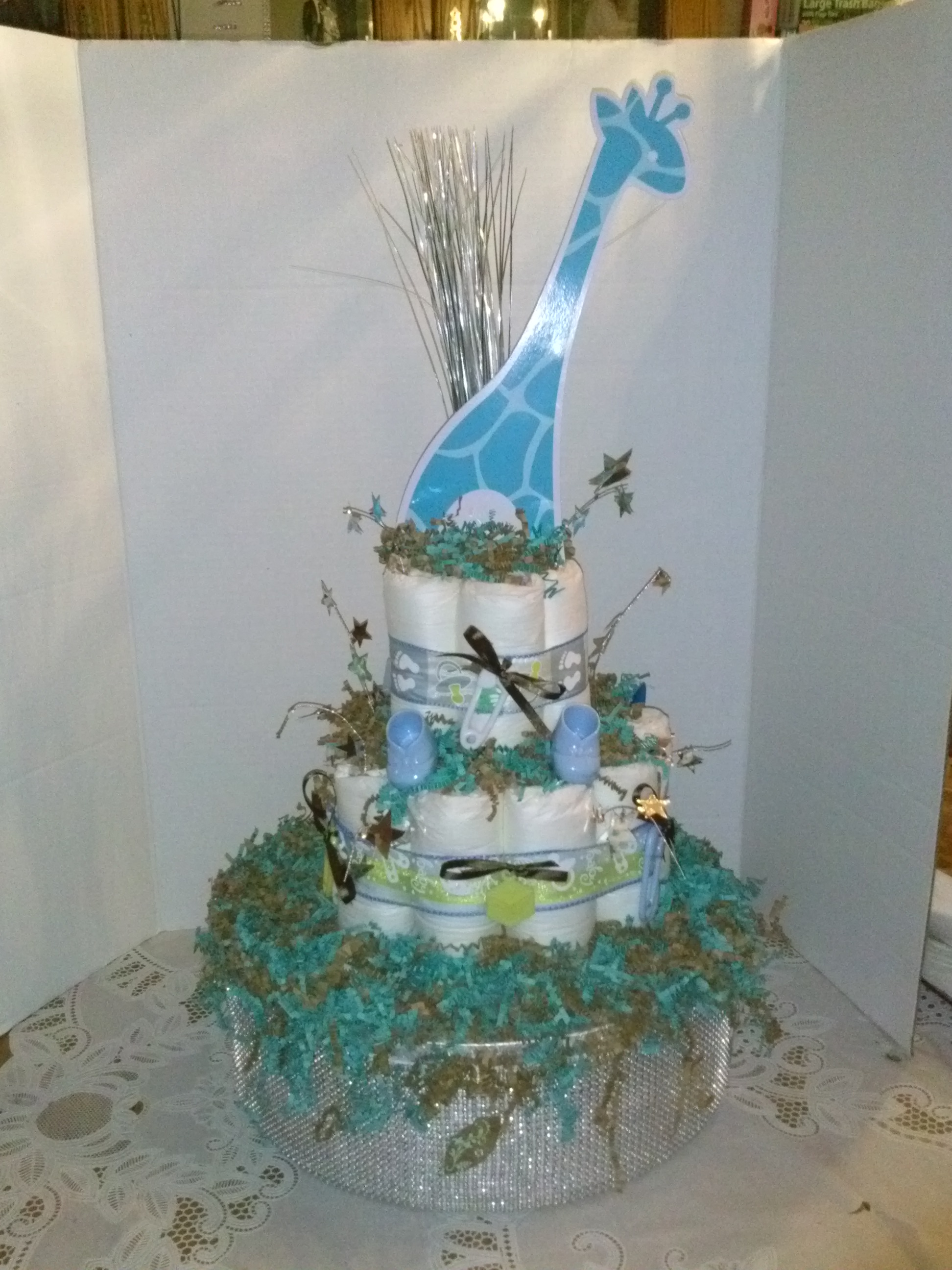 make diaper cakes and centerpieces