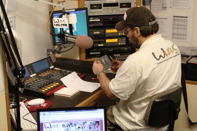 send your music to 300 College Radio Stations