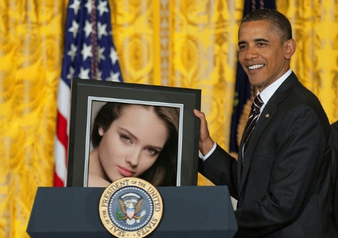 make obama hold your picture