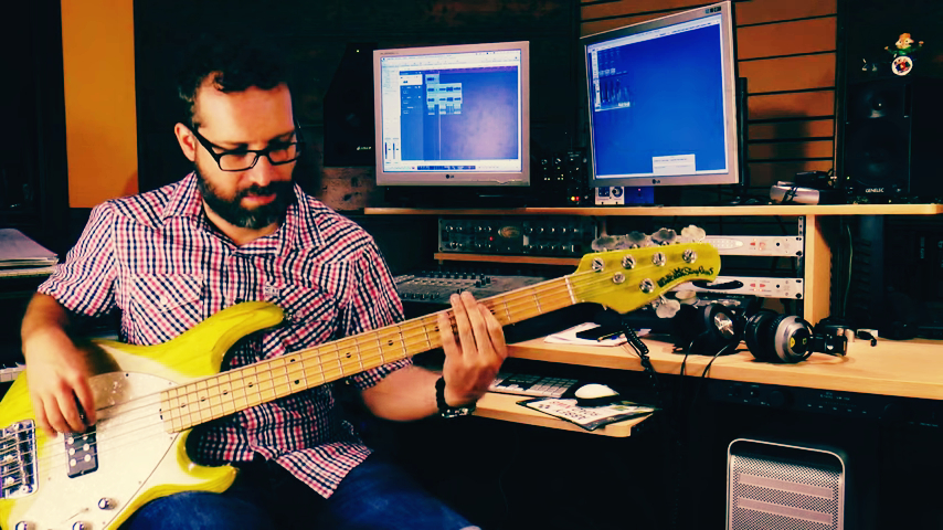 record a profesional electric bass