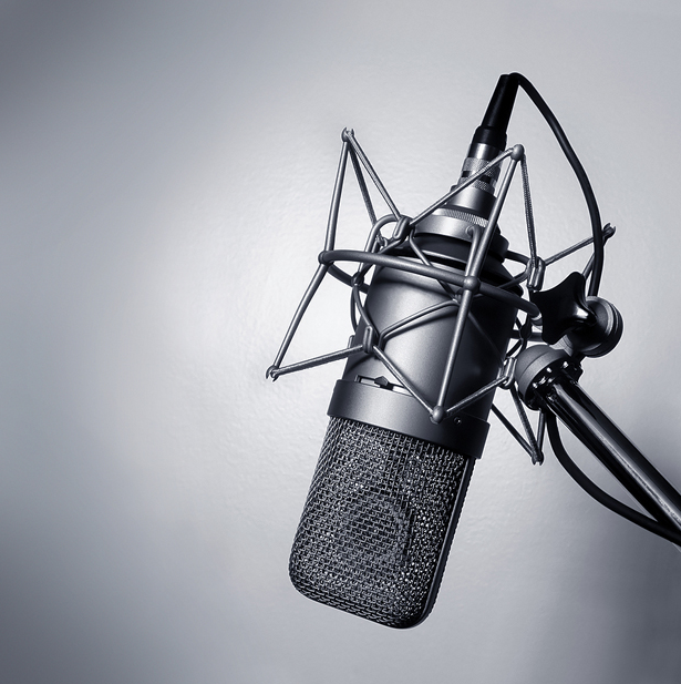 record a VO in English with Spanish (LATAM) accent