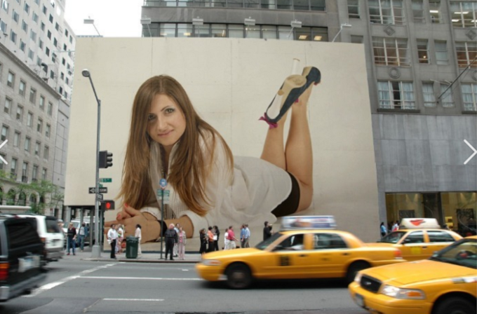 draw your logo or photo in new york Street