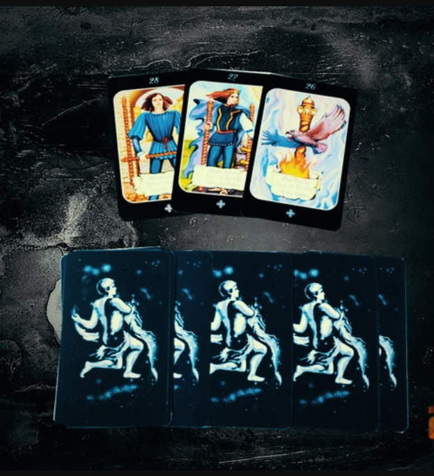 Answer any question using tarot cards
