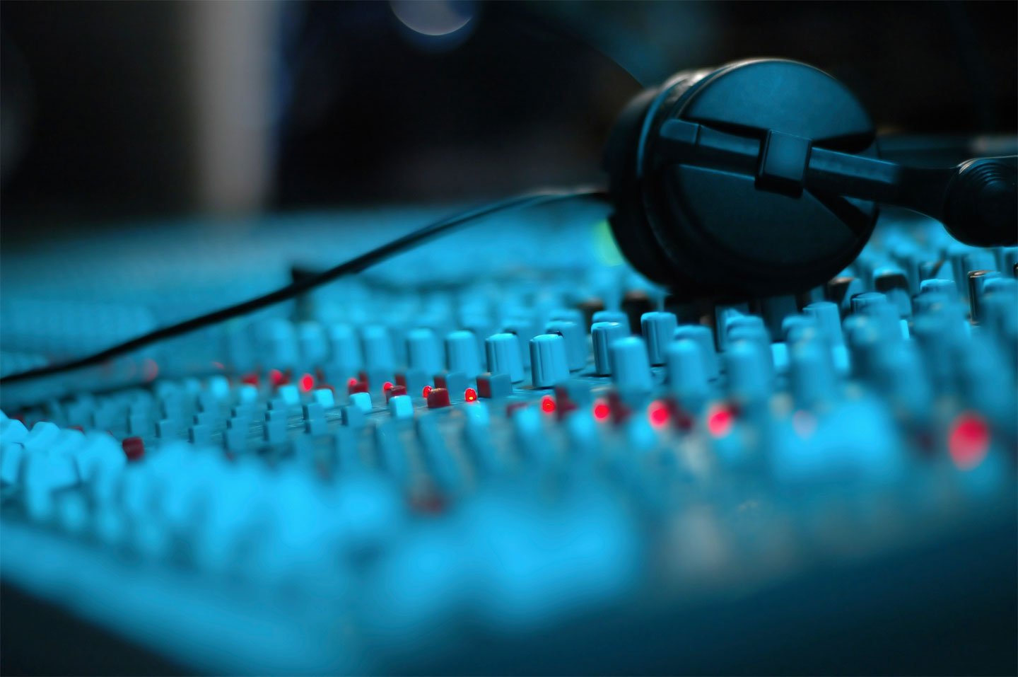 master your song in a professional mastering studio