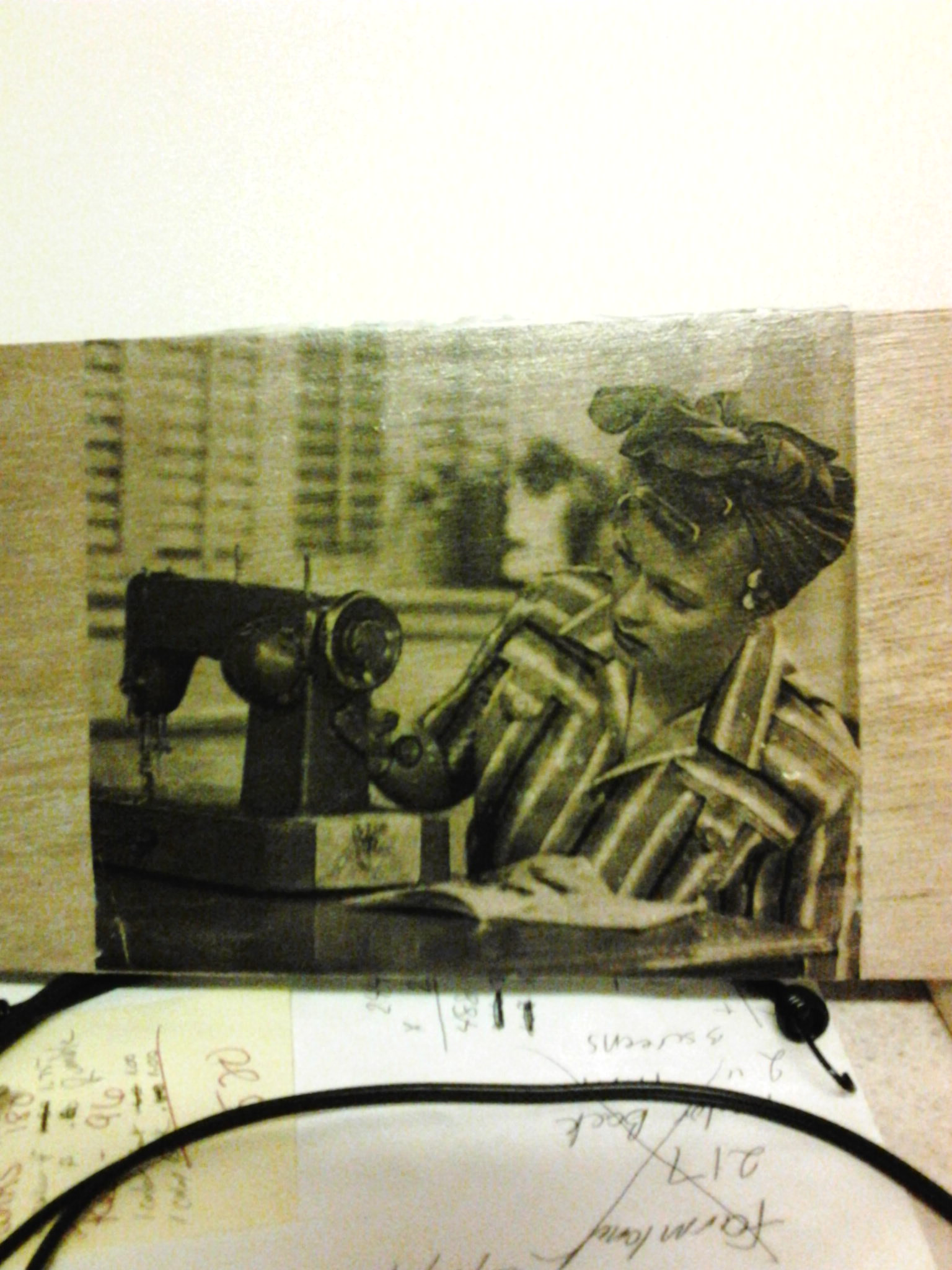 transfer a image of choice to a 5x7 piece of wood.