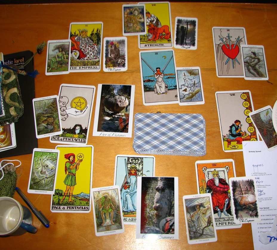 do most accurate 3 or 7 cards Tarot Reading!