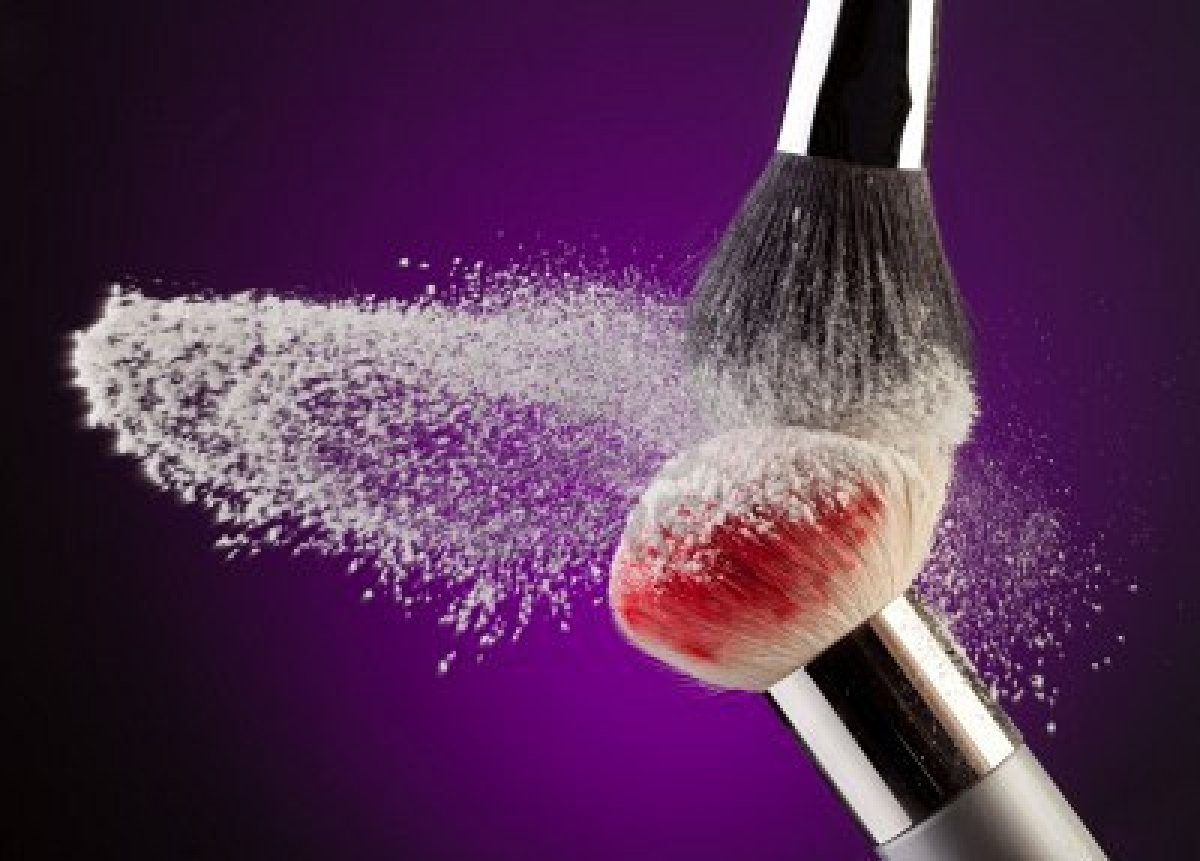 write a unique article on makeup or skincare