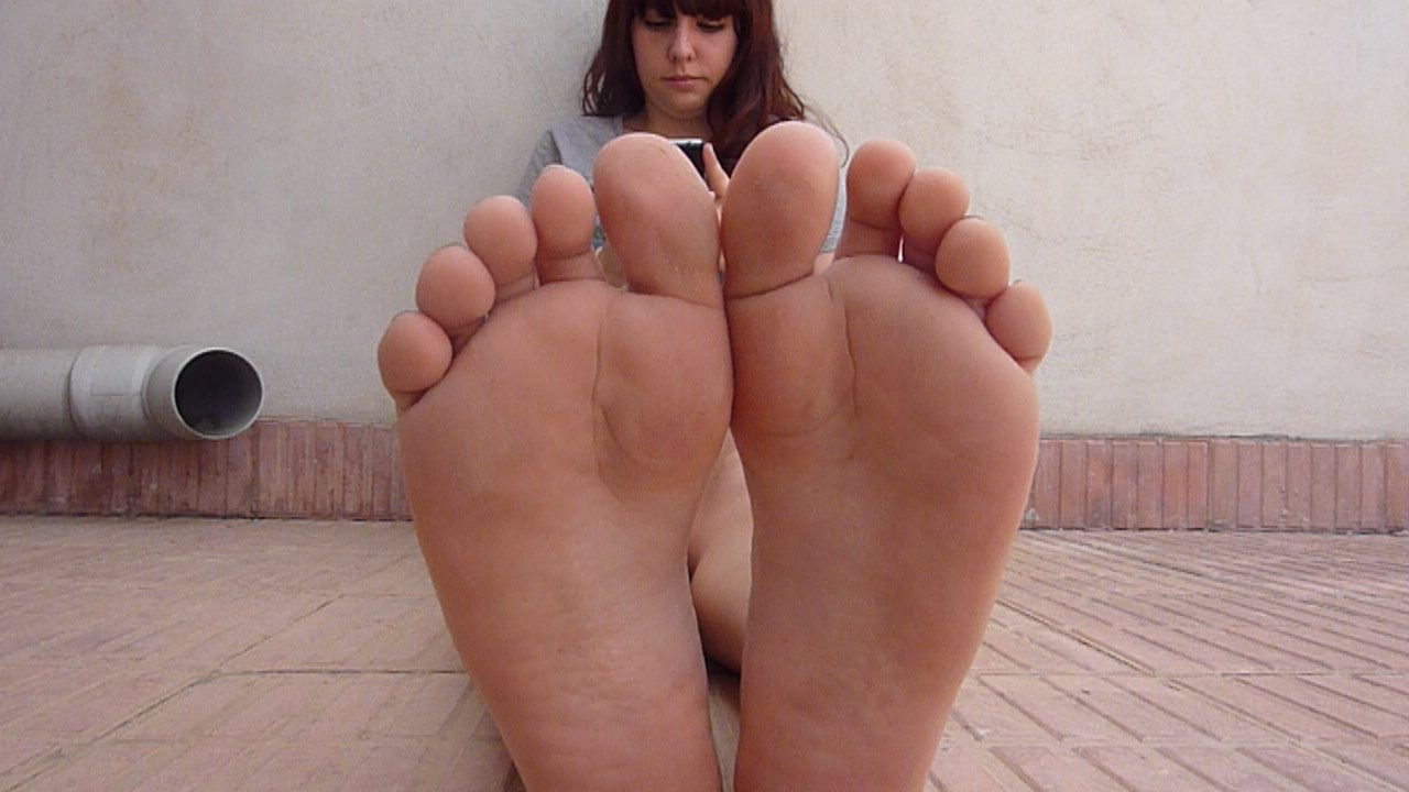 send you videos with girls' feet soles legs asses