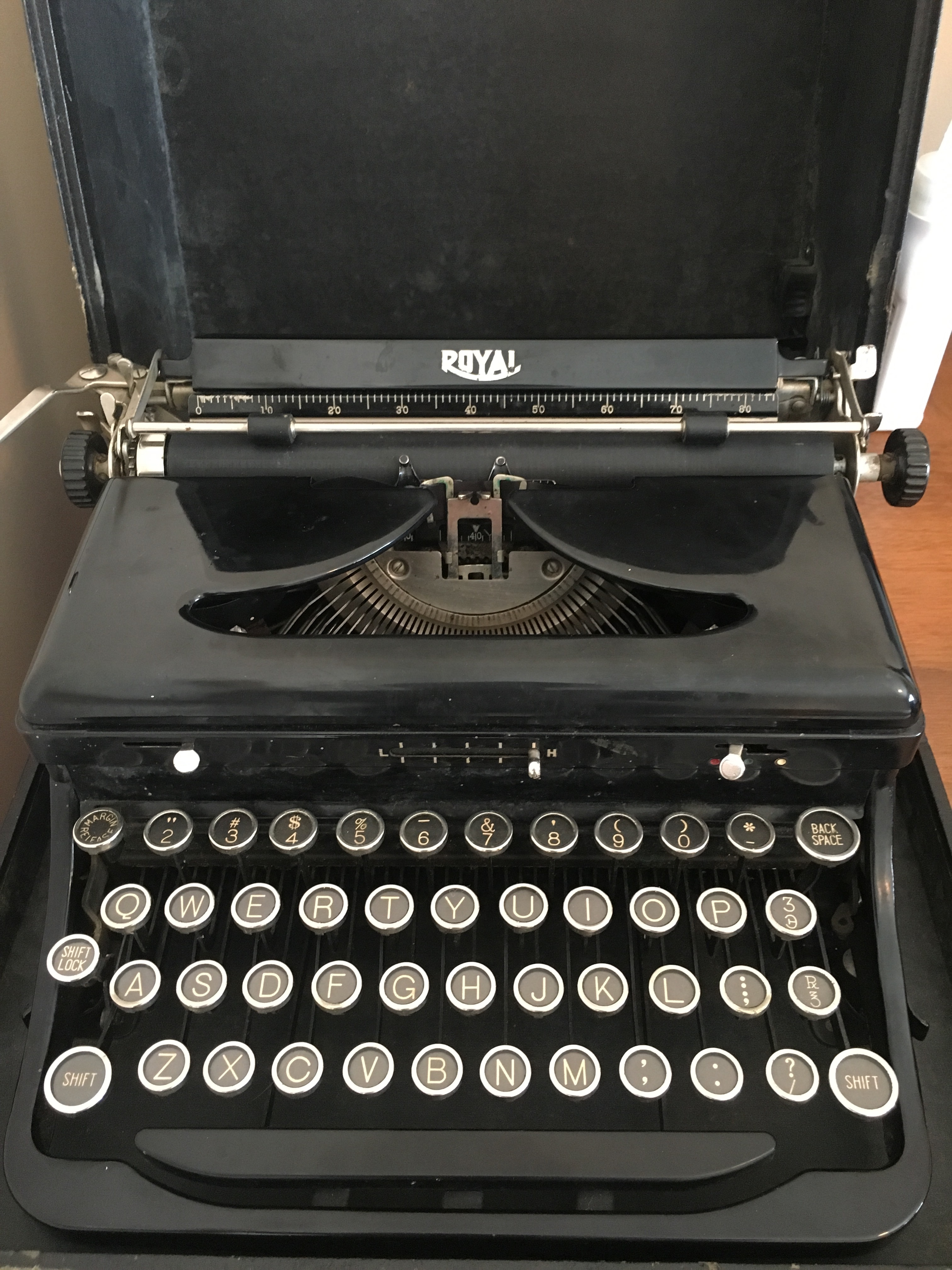 Use a vintage typewriter to type whatever you want up to 300 words