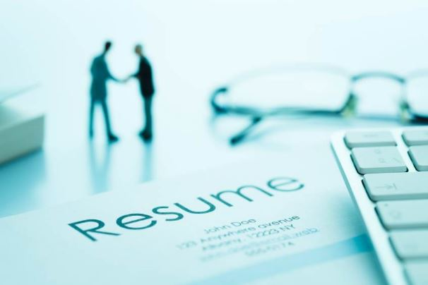 create an outstanding resume, cv and cover letter